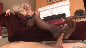 Foot Slut Forever – Mistress Evita