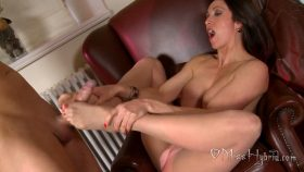 Pantyhose Foot Fun Handyman Huge Cock Cum – Miss Hybrid