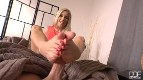 Footjob Heaven: Blonde Wanks His Cock With Her Sexy Feet! – Nesty