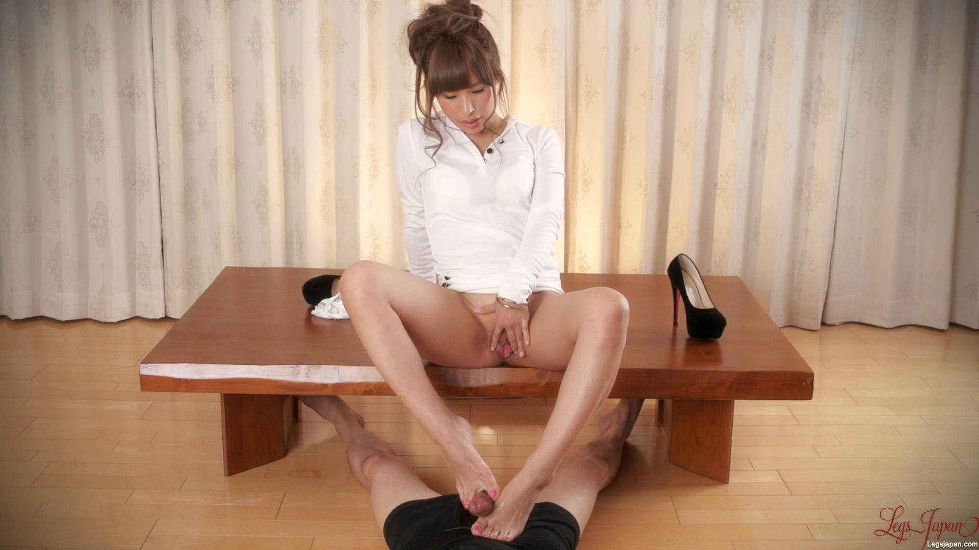 White Top Footjob – Legs Japan – Natsume Hotsuki_cover