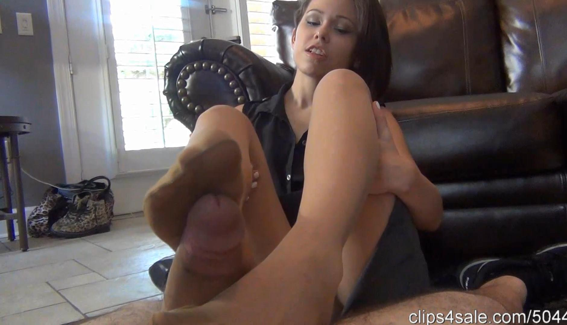 Secretary Bailey Paige Footjob Revenge – Bratty Babes Own You_cover