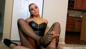 Undercover Dominatrix Sasha Foxxx Footjob – Bratty Babes Own You