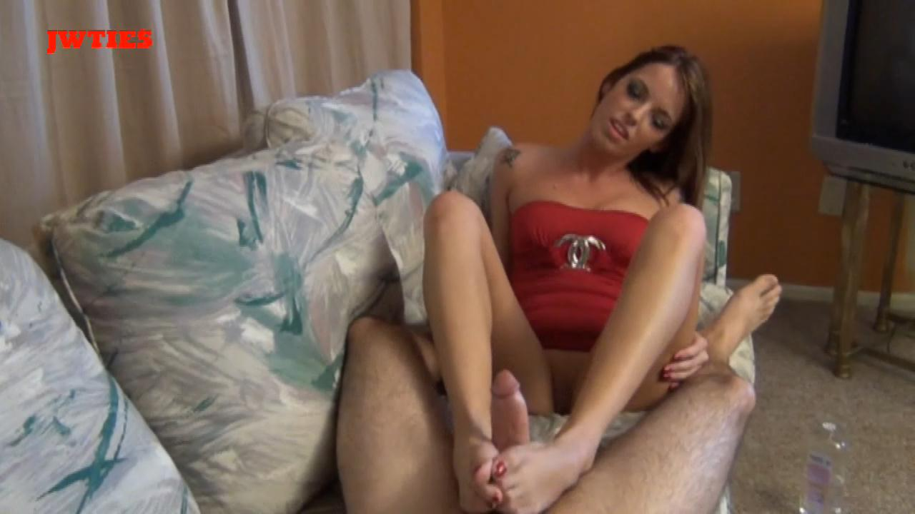 Violets-Swing-Club-Footjob-First-Time-Foot-Girls