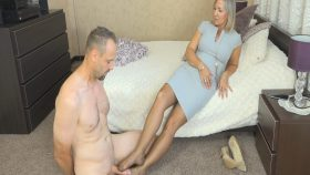 Ala In Nylon Stockings Doing Footjob – Ala's Feet