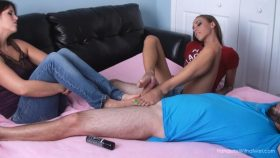 Lela Helps Sasha Giver Her First Ever Footjob – SilverCherrys Handjobs With a Twist