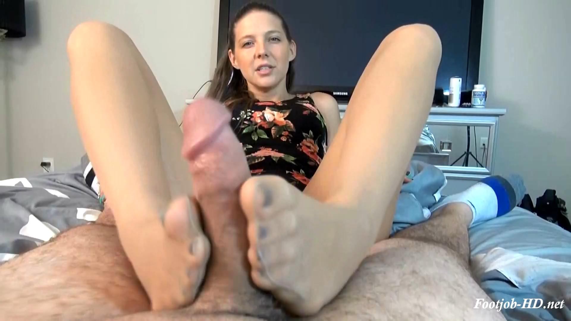 Sadie Holmes Wake Up Blowjob Footjob – Bratty Babes Own You