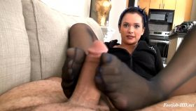 Maria Marley's Real Life Ultra Stinky Footjob – Bratty Babes Own You