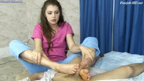 Elena Koshka – Tired Nurse's Feet Foot Job – Primal's FOOTJOBS