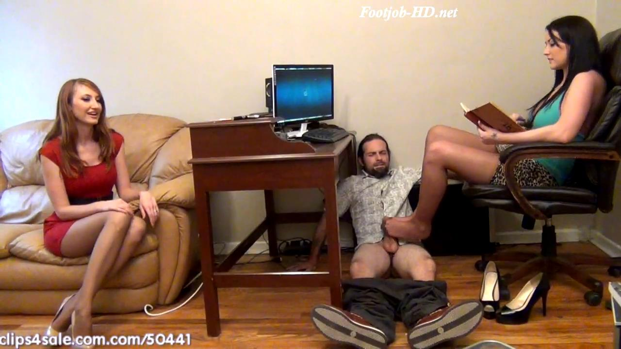 Realtor Gets House Sold With Footjob Under Desk Wife Unaware – Bratty Babes Own You – Alexis Grace, Kendra James