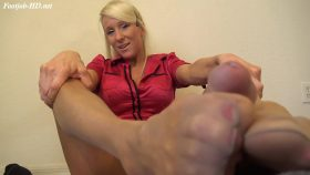 TEACHER TIFFANY PANTYHOSE FOOTJOB – The Foot Fantasy!!!