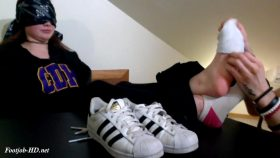 19 Year Old Preppy Girl Gabbi Gives Her First Footjob! – COLLEGESOLES