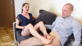 Footjob For Her Tutor: Dream Or Reality? – Tessa Fantasies