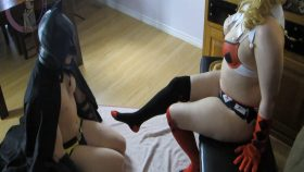 Harley Quinn gives a footjob – Kosplay_Keri