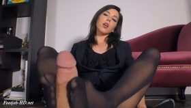 Pantyhose Footjob For The Job and Your Salary – The Wolfe Sole Experience