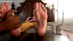 Luci's foot massage turns into a foot job – Aspire For Life