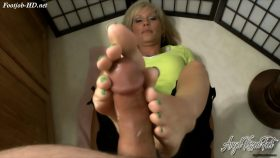 Footjob Sampler 1 – Erotic Nikki – Fetish MILF