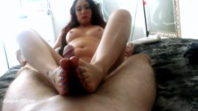 Foot Job – ScarletteJade