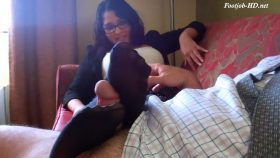 Secretary surprise footjob – Bodies and Soles