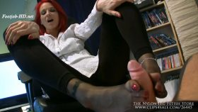 Secretary Pantyhose Footjob – The Nylon Leg Fetish Store