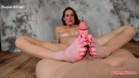 Sofie Gives Her First Footjob – Sofie Marie