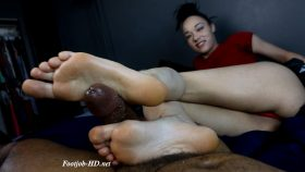 Taylor's Feet Make Me Squirt Hard – Joey's FeetGirls
