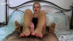 Footjob without hand a no cut – Custom Video – Rossella Visconti