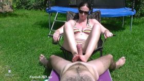 Outdoor footjobs and cum – InolaAndAxel