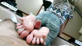 Elise Footjob Of Jeans – Jhonn – Womens Feet