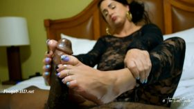 Snow Fall Footjob – TheFeetGuideTV