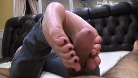 Big toes, Jeans and footjob! The perfect match! – SECRET FOOTJOBS