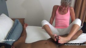 Paint my toes with your cum – FetishExhibit – Leilani Lei