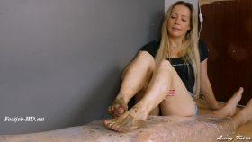 Muddy footjob and handjob – Lady Kara