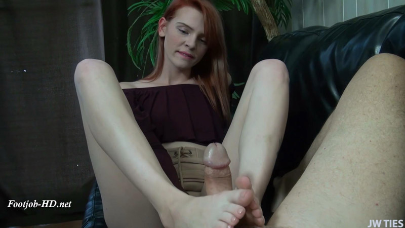 Noras First Time - First Time Foot Girls - Nora Ivy