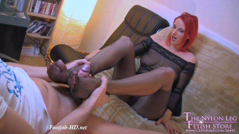 Foot and legjob in black pantyhose – The Nylon Leg Fetish Store