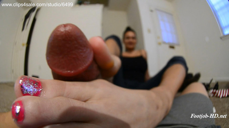 Raunchy footjob… Muscular toes squeeze out a cum waterfall! Footjob and cum on soles! – Amateur soles giantess and footjobs
