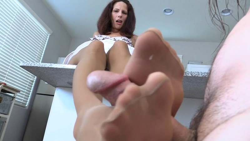 Suntan Pantyhose + Red Toes Footjob – Arches, Toes, Heels, Soles