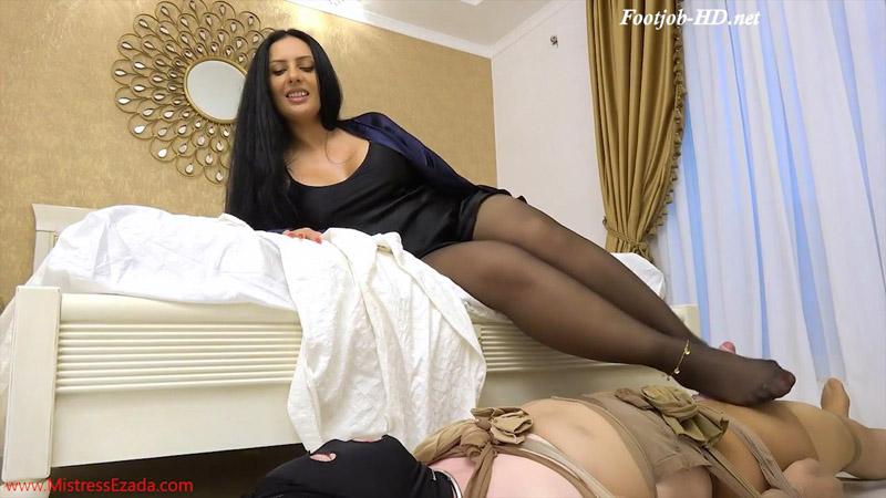 Pantyhose pervert footjob – Mistress Ezada Sinn