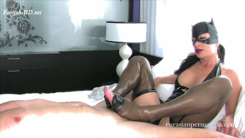 Catwoman Milks in Latex – Vancouver Kinky Dominatrix