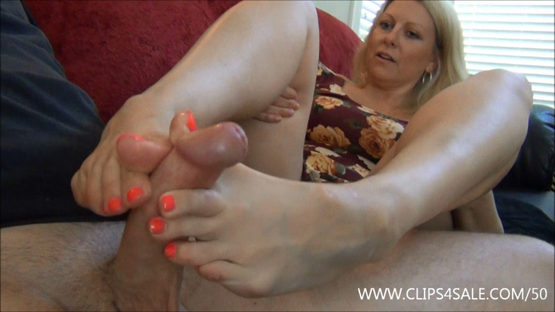 Footjob For The Nanny Position – EXTREME FEET CLIPS – Zoey Tyler