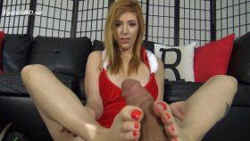 Lauren Phillips Christmas POV Footjob – The Foot Fantasy!!!