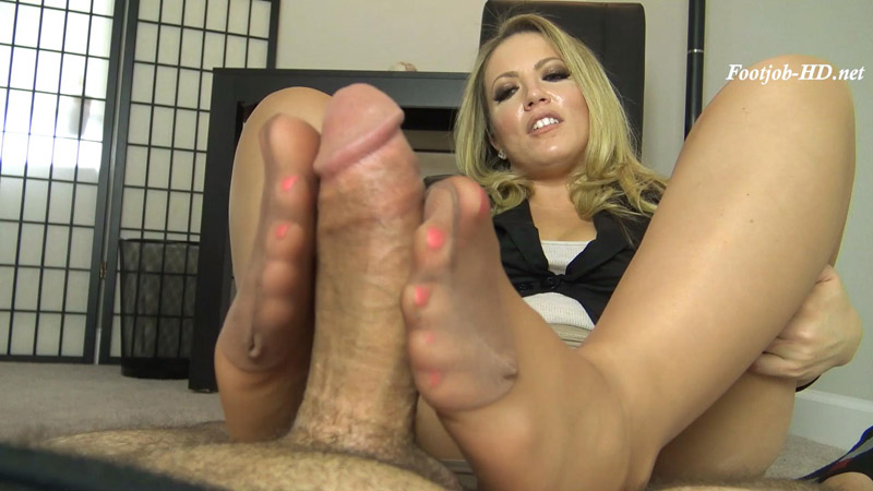 Parent Teacher Meeting Pantyhose Footjob – The Foot Fantasy!!! – Carmen Valentina