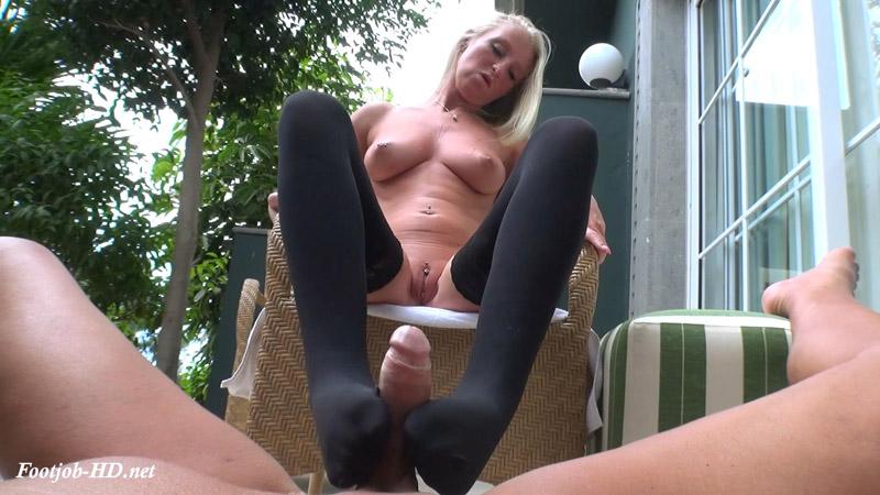 Filthy Nylon Footjob – Dirty Milking – Lady Kacy Kisha