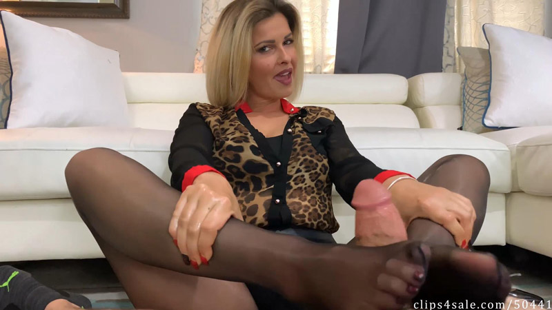 Dom Mom Secret Footjob Agreement – Bratty Babes Own You