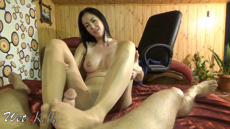 Foot job pantyhose send to my hubby – Wet Kelly