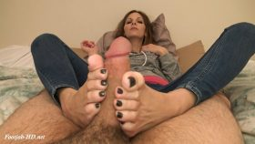 Tickling Footjob (feet un-tied so you see me squirm!) – Kinky Foot Girl