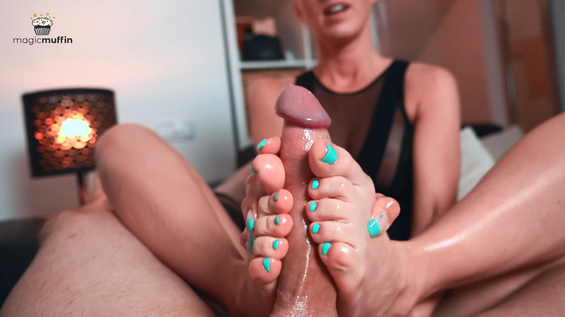 First Magic Footjob from Perfect Young Girl - TheMagicMuffin