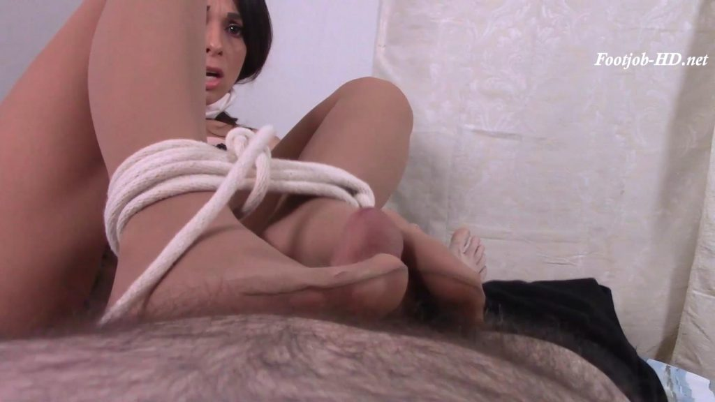 I Got Tied Up With My Secretary and She Gave Me a Footjob! – Footjob Loving Ladies