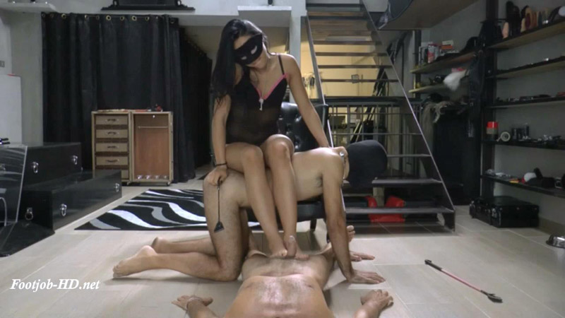 Mistress Gaia - Foot Cleaning Contest
