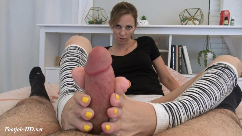 Super Quick Footjob in Legwarmers (with a little blowjob action) and Showing Off my Cummy Feet – Kinky Foot Girl
