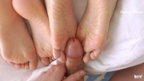 2 Wrinkled Soles For My Cock – ZiaxBite